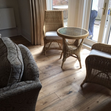 Woodpecker, Distressed Cottage Oak 38-BDW-001 supplied and installed by Arighi Bianchi